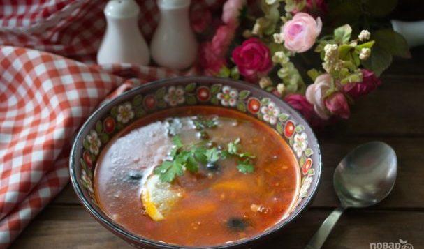 Солянка с колбасой — супы на первое